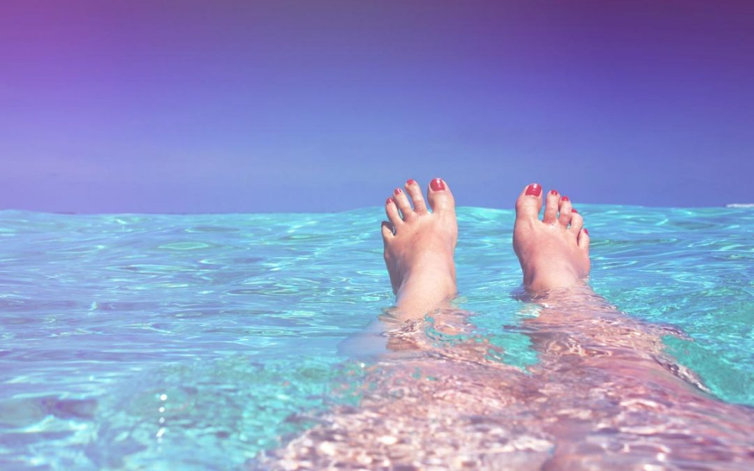8 bienfaits curatifs du bain de pieds, au dessus on est en terrasse au soleil !