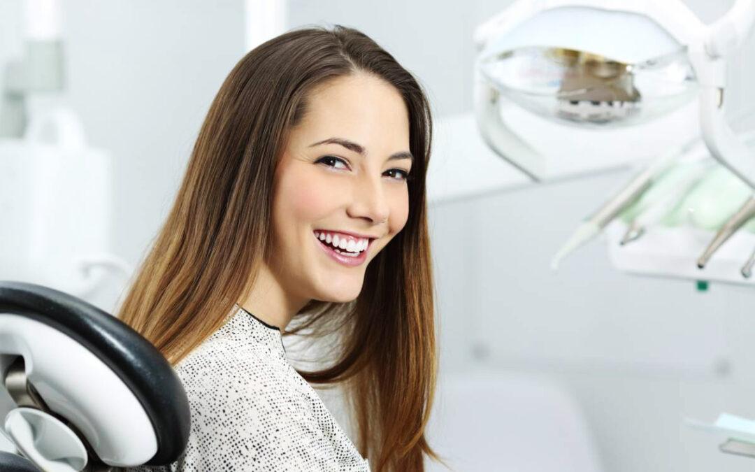 Histoire et succès des facettes dentaires