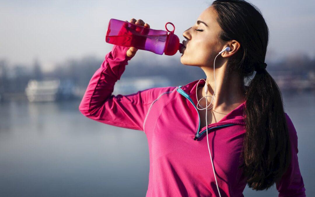 9 bonnes raisons de boire 2L d'eau par jour.